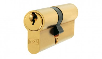 Offset Euro Double Cylinder expertly fitted by the Lockwizard Locksmith